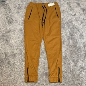 Men's Joggers -Taper Fit / Elastic Cuffs